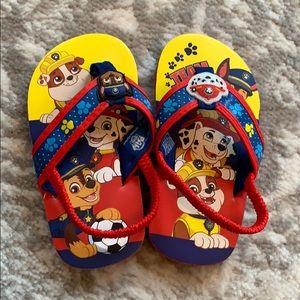 **5/$25! NWOT Toddler paw patrol flip flops